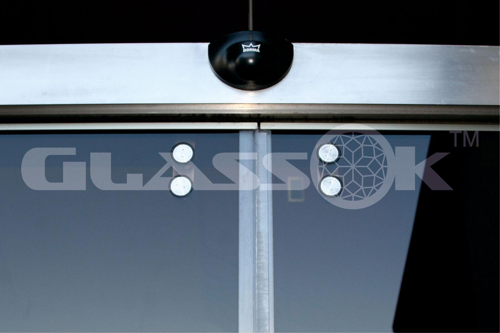 Раздвижные стеклянные автоматические двери входные