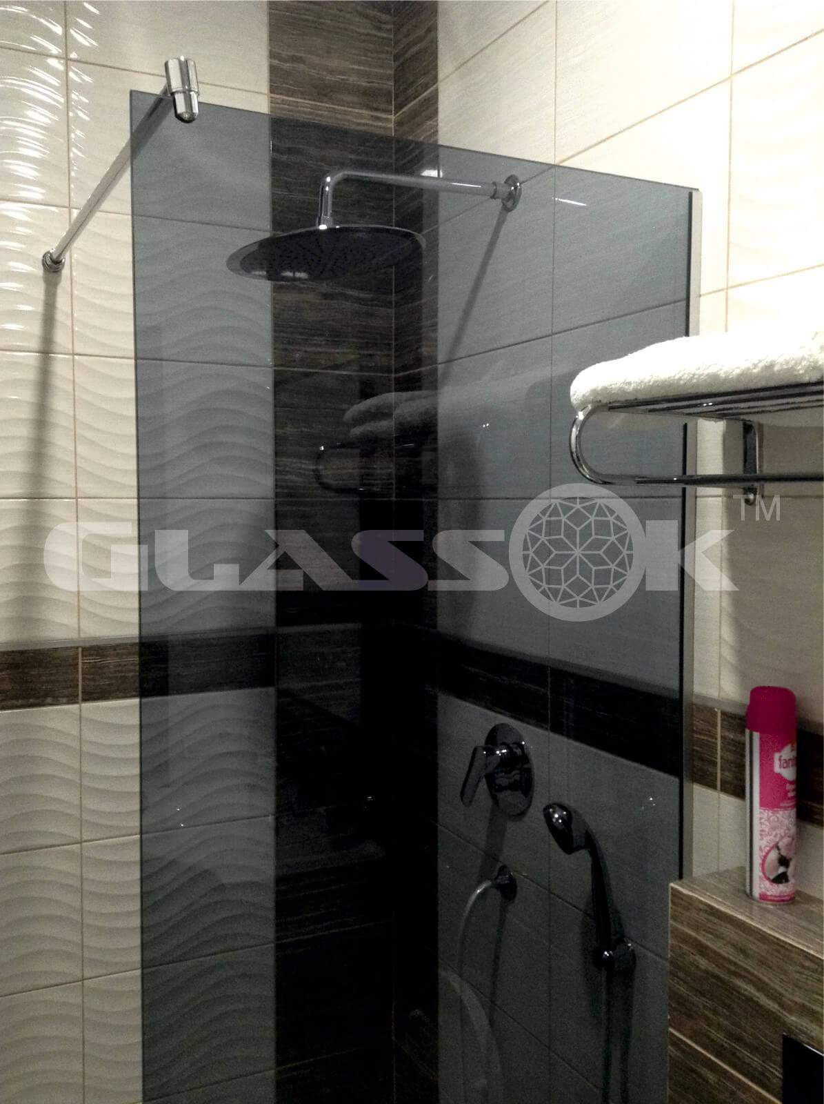 Купить стеклянную шторку для ванной